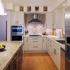 Transitional Kitchen by Peter A. Sellar - Architectural Photographer