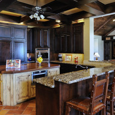 Traditional Kitchen by Vining Design Associates