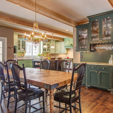Traditional Kitchen by Lorrien Homes & Remodeling