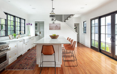 Houzz Tour: 'Plain and Simple' Update for a Center-Hall Colonial