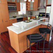 Contemporary Kitchen by urban presentations