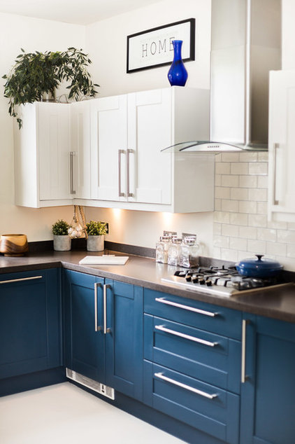 Contemporary Kitchen by louisa jane interiors