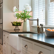 Traditional Kitchen by Ta-da! Homes, LLC