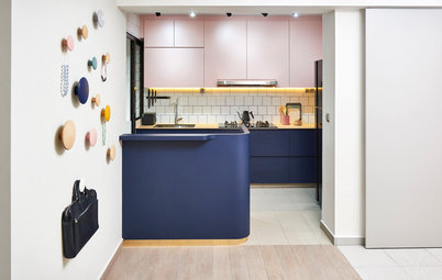 Houzz Tour: Jaunty His-And-Hers Colours Enliven This Flat