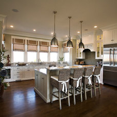 Tropical Kitchen by B&T Kitchens and Baths