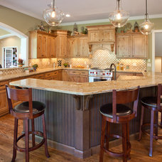 Traditional Kitchen by W.V. de Stefano Homes, LLC