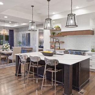 Landhausstil Küche mit eingelassener Decke in Cincinnati