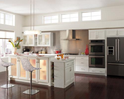Minimalist Kitchen Photo In Other