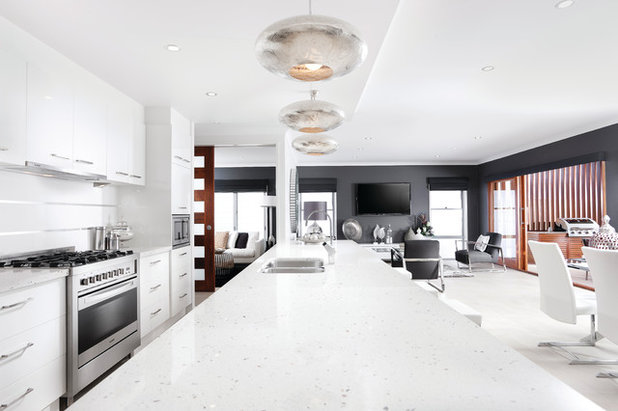 Contemporary Kitchen by Coral Homes SA