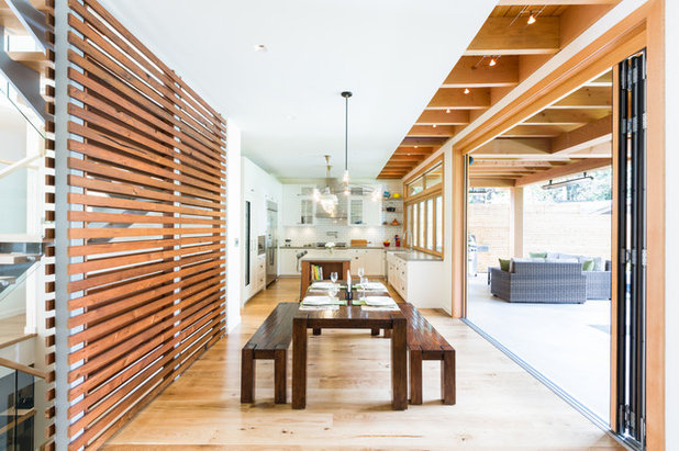 Contemporary Kitchen by Synthesis Design Inc.