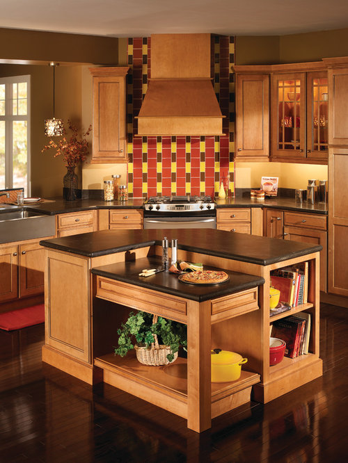 Solid wood kitchen cabinets houzz for Kitchen cabinets houzz