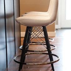 Contemporary Kitchen by Natalie Fuglestveit Interior Design