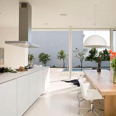 Modern Kitchen by MarchDesign