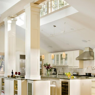 Contemporary Eat In Kitchen Inspiration Example Of A Trendy U Shaped