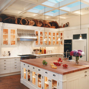 Nontraditional Kitchens Inspiration For A Timeless Kitchen Remodel In San Francisco With Gl Front Cabinets White