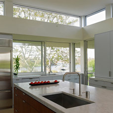Contemporary Kitchen by Stelle Lomont Rouhani Architects
