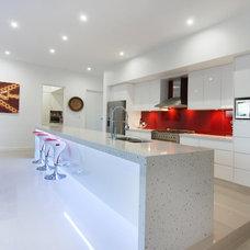 Modern Kitchen by Blueprint Designs