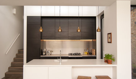9 Different Ways to Incorporate a Breakfast Bar Into Your Kitchen