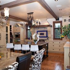 Eclectic Kitchen by Pammax Design Intérieur Inc.