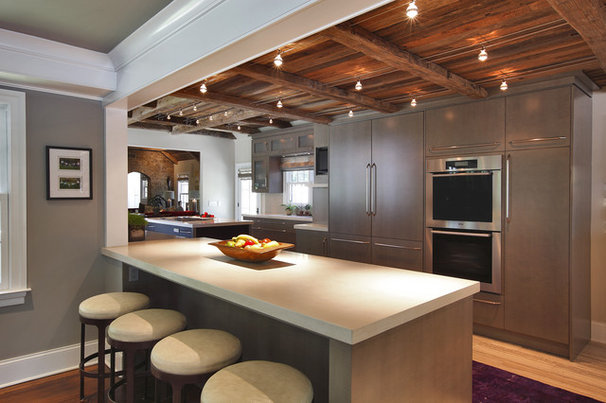 Transitional Kitchen by Callaway Architects, LLC