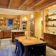 Contemporary Kitchen by Johnston Architects