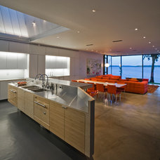 Modern Kitchen by Min | Day Architects