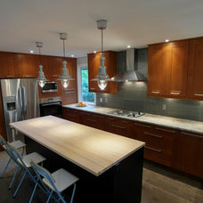 Contemporary Kitchen by 7j DESIGN