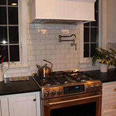 Traditional Kitchen HOUSEography