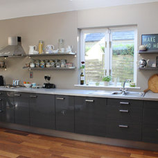Contemporary Kitchen by April and the Bear