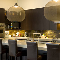 modern kitchen by Cynthia Lynn Photography