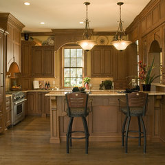 traditional kitchen by Rob Stepp
