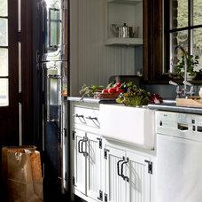 Traditional Kitchen by Kathryn Scott Design Studio Ltd