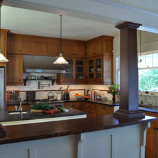 Craftsman Kitchen by RR Chandler Design Build Renovate