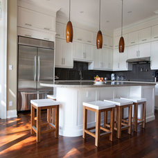 Modern Kitchen by Ph.D. Design Inc.