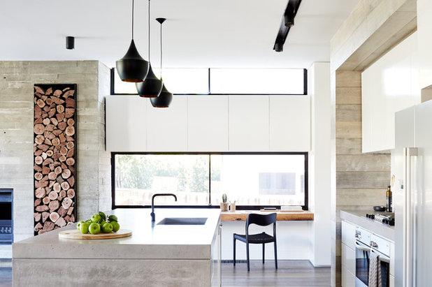 Modern Kitchen by PLANtoBUILD