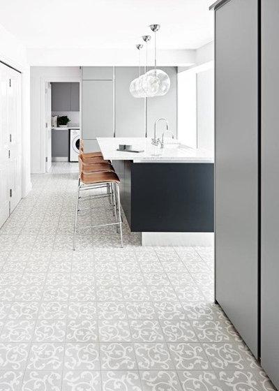 Modern Kitchen by Cheverell