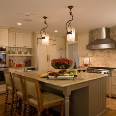 Traditional Kitchen by Cabin John Builders