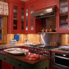 traditional kitchen by Johnson Berman