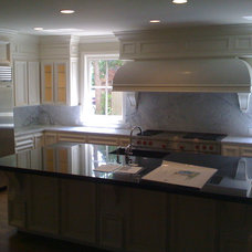 Traditional Kitchen by Andrew C. Thomas, Architect