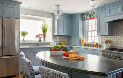 New This Week: 3 Kitchens With Beautiful Blue Cabinets
