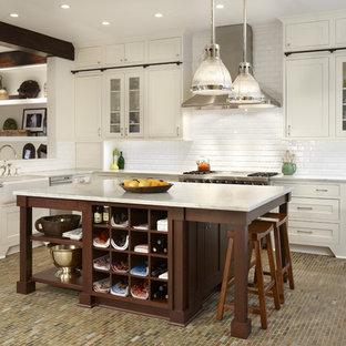 Esempio di una cucina design con lavello stile country