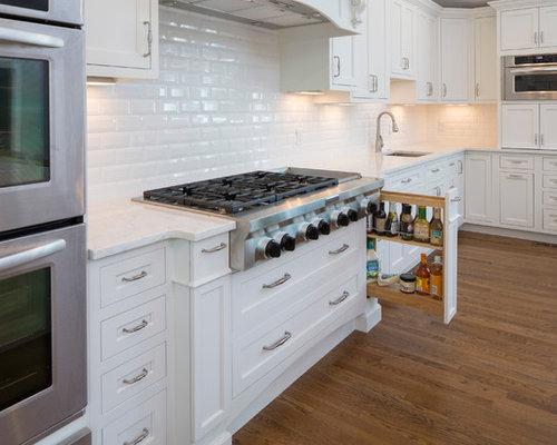 Tr s grande cuisine avec une cr dence en carreau de ciment photos et id es d co de cuisines - Beton door lcda ...