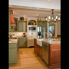 Traditional Kitchen by Golden Rule Creative Remodel