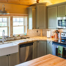Traditional Kitchen by Sand Creek Post & Beam