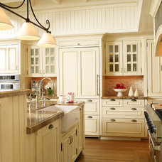 Traditional Kitchen by Stacey Lapuk, ASID