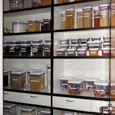 Contemporary Kitchen by ESTHER CHEREM DISEÑO E INNOVACIÓN A TU MEDIDA