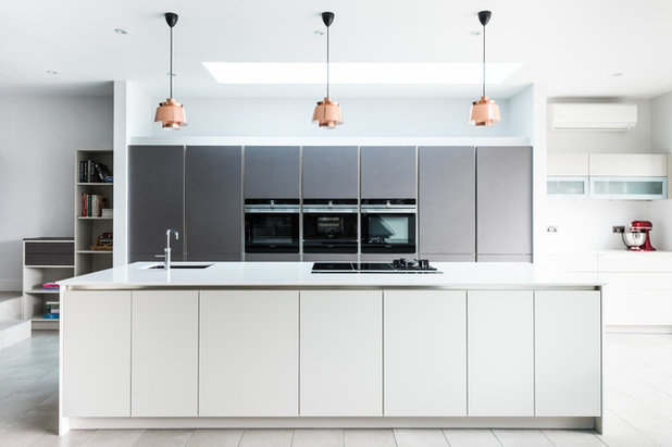 Contemporary Kitchen by Owl Design