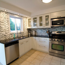 Traditional Kitchen by TS KITCHEN PROJECTS