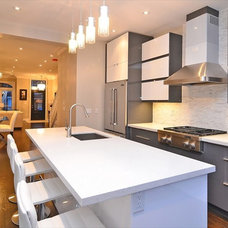 Contemporary Kitchen by TS KITCHEN PROJECTS