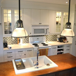 Farmhouse kitchen inspiration - Inspiration for a cottage kitchen remodel in Toronto